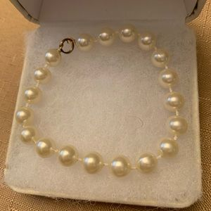 Pearl bracket